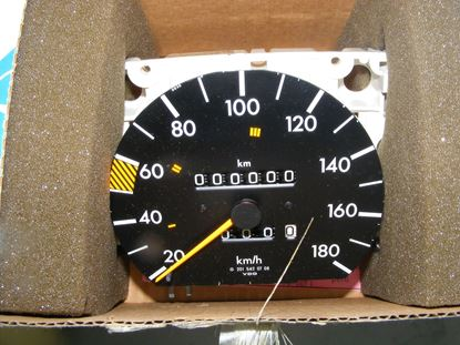 Picture of speedometer,190D 2.2, 2015424906