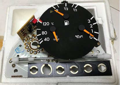 Picture of Mercedes instrument cluster, 0045402647